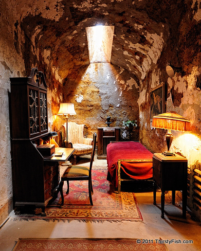 Al Capone's Cell - Mobsters of the Pen